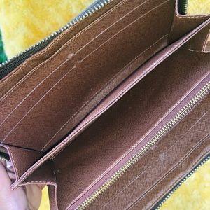 Louis Vuitton Bags - Authentic Louis Vuitton Full Size Zippy Wallet